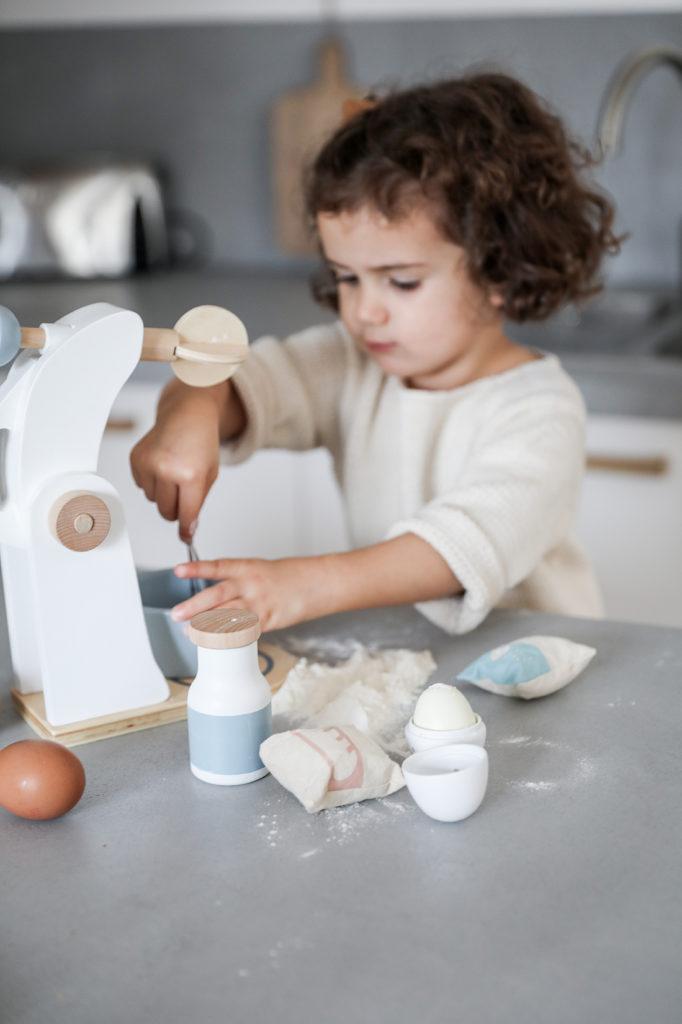 Jouet-cuisine-enfant-bois