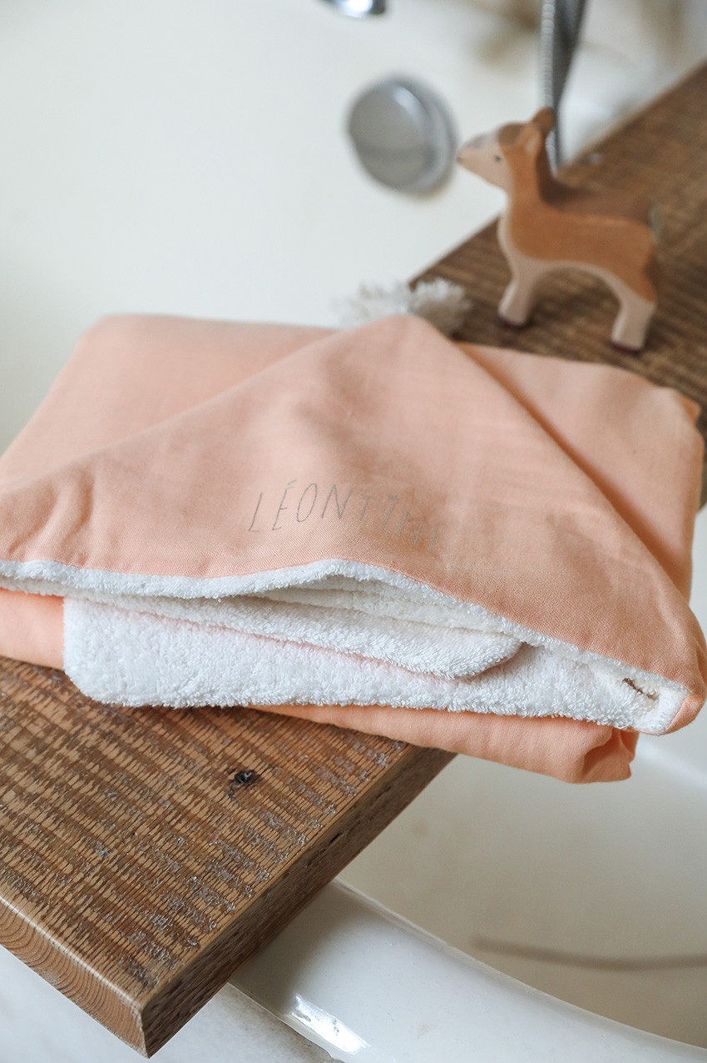 Bath capes