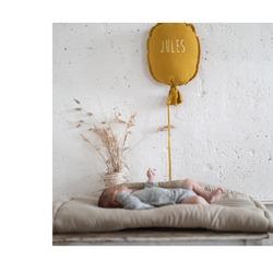 Notre ballon : la décoration idéale pour un style à la fois épuré et original !#petitpicotin #maman #mum #papa #dad #cadeaunaissance #cadeaupersonnalisé #kids #enfant #decokids #france #linlavé #miel #ballon