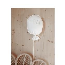 L'accessoire déco incontournable de vos chambres d'enfant ! En blanc il s'accorde parfaitement sur les murs de couleurs, les papiers peints, les murs en bois...#petitpicotin #maman #mum #papa #dad #cadeaunaissance #cadeaupersonnalisé #kids #enfant #decokids #france #linlavé #blanc #ballon